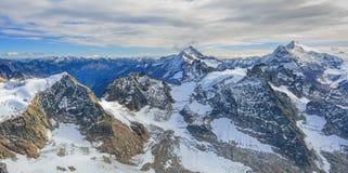 Vista nelle alpi svizzere Fotografia Stock Libera da Diritti