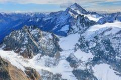 Vista nelle alpi svizzere Immagini Stock