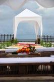 Vista no altar do casamento na praia Imagem de Stock Royalty Free