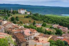 Vista no castelo da cidade Aiguines Fotos de Stock