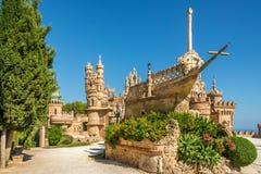 Vista no castelo de Colomares em Benalmadena, dedicado de Christopher Columbus - Espanha imagens de stock