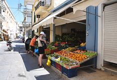 Vista no comércio nas frutas e legumes Foto de Stock