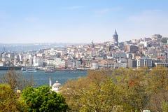 Vista no distrito de Beyoglu Imagens de Stock