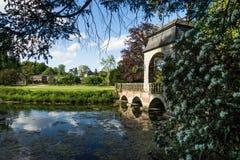 Vista no dyck do parque do castelo Fotos de Stock Royalty Free