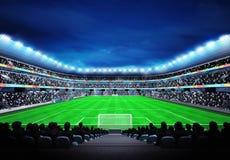 Vista no estádio de futebol com os fãs nos suportes Foto de Stock Royalty Free