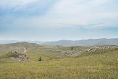 Vista no estepe rochoso do Lago Baikal foto de stock
