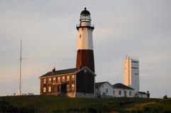 Vista no farol de Montauk em Long Island no por do sol imagens de stock
