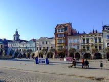 Vista no lado ocidental da praça da cidade velha em Cieszyn no Polônia fotografia de stock royalty free