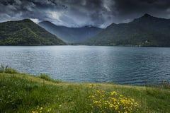 Vista no lago Ledro Fotos de Stock Royalty Free