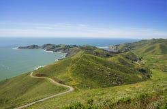 Vista no Oceano Pacífico e no ponto Bonita, Califórnia, EUA imagem de stock royalty free