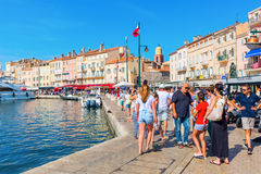 Vista no porto de Saint Tropez, França fotos de stock royalty free