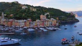 Vista no porto em Portofino, Itália vídeos de arquivo