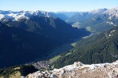Vista no vale bonito do fassa em Tirol sul Imagem de Stock