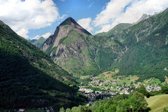 Vista a Olivione in Ticini, Svizzera Fotografia Stock Libera da Diritti