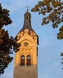 Vista outonal na igreja velha, Dubulti Foto de Stock Royalty Free