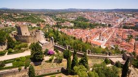Vista panorámica aérea de la ciudad del fron Monastrty convento de cristo de Tomar Fotografía de archivo libre de regalías