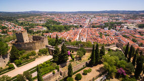 Vista panorámica aérea de la ciudad del fron Monastrty convento de cristo de Tomar Foto de archivo