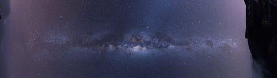 Vista panorámica completa de la vía láctea Foto de archivo libre de regalías