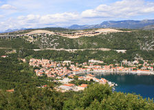 Vista panorámica de Bakar en Croacia fotos de archivo