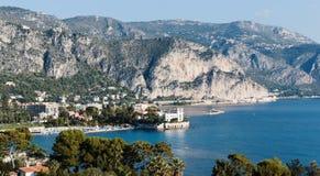 Vista panorámica de Cote d'Azur cerca de la ciudad fotografía de archivo