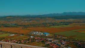 Vista panorámica de Deva de la ciudadela antigua en Rumania almacen de metraje de vídeo