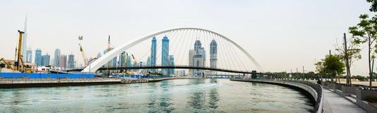 Vista panorámica de Dubai del canal del agua foto de archivo