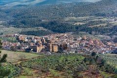 Vista panorámica de Guadalupe en Extremadura España Fotografía de archivo libre de regalías
