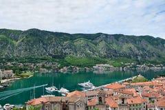 Vista panorámica de Kotor y bahía de Kotor Imagen de archivo libre de regalías