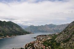 Vista panorámica de Kotor y bahía de Kotor, Montenegro Fotografía de archivo libre de regalías