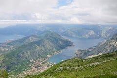 Vista panorámica de Kotor y bahía de Kotor, Montenegro Imagen de archivo