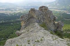 Vista panorámica de la alta montaña Fotos de archivo libres de regalías