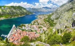 Vista panorámica de la bahía de Kotor fotos de archivo libres de regalías