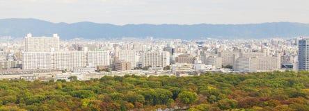 Vista panorámica de la ciudad de Osaka, Japón imagenes de archivo