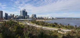 Vista panorámica de la ciudad de Perth, Australia occidental del puesto de observación de Park de rey foto de archivo