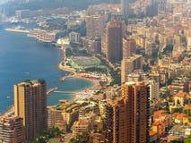 Vista panorámica de la ciudad de Monte Carlo y del mar Mediterráneo, Mónaco fotografía de archivo libre de regalías