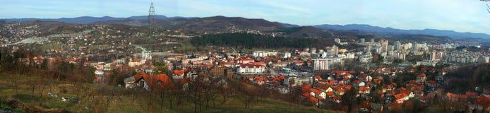 Vista panorámica de la ciudad de Tuzla Fotografía de archivo libre de regalías