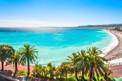 Vista panorámica de la costa de mar en Niza, Francia imagen de archivo libre de regalías