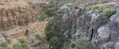 Vista panorámica de la garganta visible desde arriba del paso de Klipspringer en el parque nacional del Karoo en Suráfrica Fotografía de archivo libre de regalías