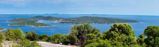 Vista panorámica de la isla de Ilovik Foto de archivo