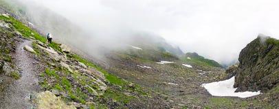 Vista panorámica de la montaña de Fagaras el verano Fotos de archivo libres de regalías