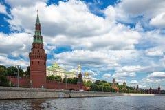Vista panorámica de la Moscú el Kremlin imagen de archivo