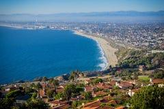 Vista panorámica de la orilla de la carretera de la Costa del Pacífico de California meridional Imágenes de archivo libres de regalías