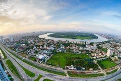 Vista panorámica de la península de Thanh Da, ciudad de Ho Chi Minh (aka Saigon) en puesta del sol por la lente de fisheye, Vietn Fotos de archivo