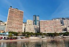 Vista panorámica de la playa en Monte Carlo, Mónaco principado imagen de archivo libre de regalías