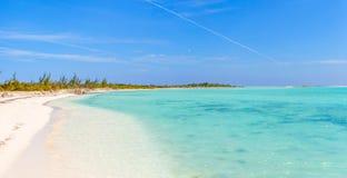 Vista panorámica de la playa tropical foto de archivo
