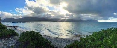 Vista panorámica de la playa y de las nubes, Oahu, Hawaii fotos de archivo
