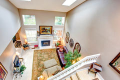 Vista panorámica de la sala de estar de lujo. Imagen de archivo