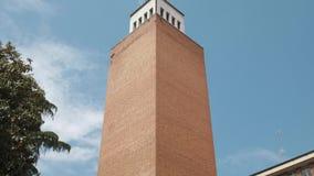 Vista panor?mica de la torre racional de la arquitectura en Pav?a, picovoltio, Italia metrajes