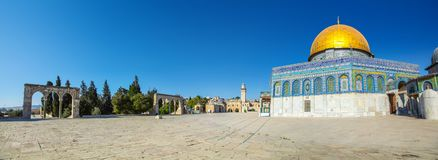 Vista panorámica de las bóvedas de oro Al Aqsa Mosque en la Explanada de las Mezquitas imágenes de archivo libres de regalías
