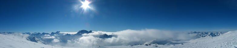 Vista panorámica de las montañas Fotografía de archivo libre de regalías